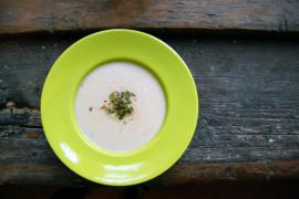 Zupa krem z ziemniaka i selera oraz mleka