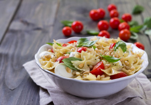 OBIAD ZA GROSIK: Makaron+oliwa+pomidory+ser