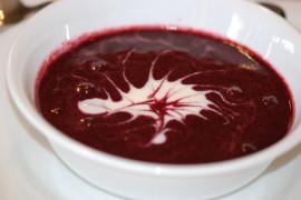 Sos z mrożonych borówek – idealny do deserów, naleśników, lodów