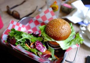 Wegańskie burgery z marchewkowym kotlecikiem