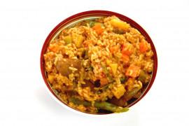 Tani obiad: ryż z mięsem i warzywami