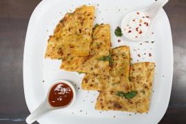 Naleśniki z suszonymi pomidorami i mozzarellą