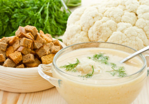 Kremowa zupa z kalafiora i curry