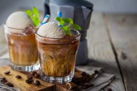 Mrożona kawa z gałką lodów waniliowych czyli włoskie CAFE AFFOGATO