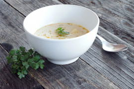 Zupa krem z cebuli, selera i kalafiora