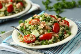 Sałatka z komosą ryżową i awokado