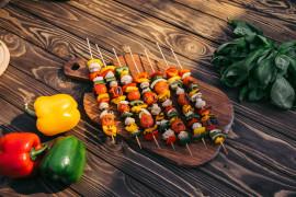 Wegetariańskie szaszłyki – najlepsze połączenie składników