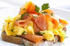 Jajecznica według Magdy Gessler. Jak ją zrobić krok po kroku?