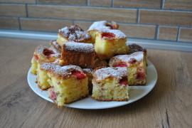 Domowe ciasto z rabarbarem