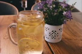 Orzeźwiający napój z lawendą i cytryną