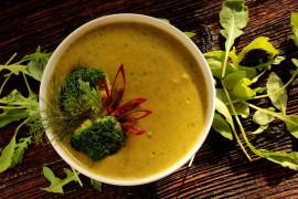 Kremowa zupa z ziemniaków, koperku i brokuła