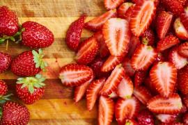 Jak truskawki wpływają na twoją urodę? Poznaj ich magiczne właściwości!