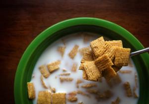 Co zrobić, aby mleko nie wykipiało? 3 cenne rady!