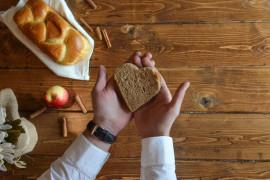 Jak wykorzystać czerstwy chleb? 3 sprawdzone przepisy!