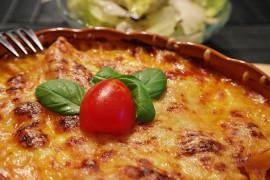 Najprostszy przepis na zapiekankę serową z serem i szynką