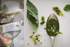 Bazyliowe pesto z solonymi pistacjami