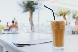 Kawa latte z miodem