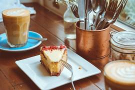 3 szybkie przepisy na jesienne desery! (ciasto, czekolada na gorąco, pieczone jabłka z lodami)