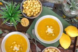 Kremowa zupa z bakłażana i czosnku