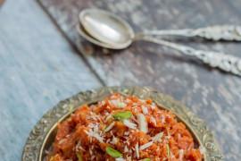 Błyskawiczna surówka obiadowa z marchewki i migdałów