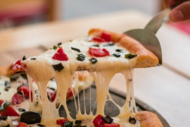 Spód do pizzy z KALAFIORA i sera!