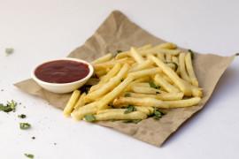6 pomysłów na domowe frytki z ziemniaków, owoców i warzyw!