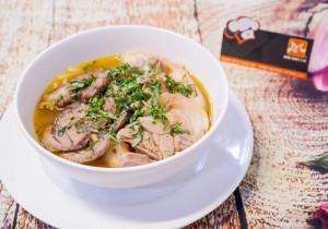 Kremowa zupa z dorszem i serkiem topionym