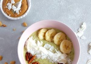 Kremowe Smoothie Bowl z rukolą i owocami! HIT