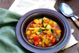 Gulasz warzywno-pieczarkowy