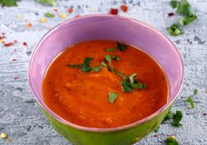 Zupa pomidorowa z ciecierzycą
