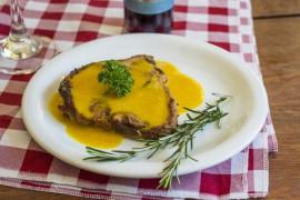 Kalafior w panierce a'la schabowy z sosem marchewkowym!