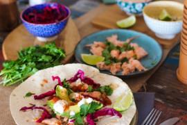 Błyskawiczne tortille z łososiem i awokado
