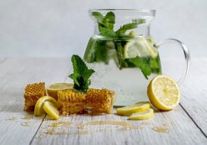 8 przepisów z MIODEM (desery, śniadania, napoje)