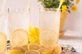Aromatyczna lemoniada z bazylią i melonem