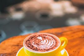 Kawa mokka z białą czekoladą