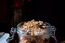 HIT: granola z kaszą jaglaną, gryczaną i kurkumą