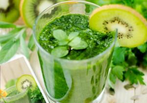 Zielony koktajl oczyszczający wątrobę