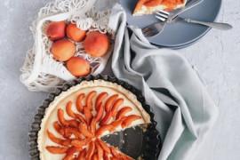 Tarta z białą czekoladą i mandarynkami