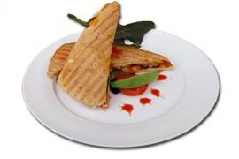 Ciepła kanapka z łososiem