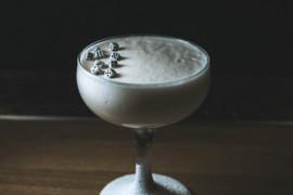Pobudzający koktajl o smaku kawy i coli