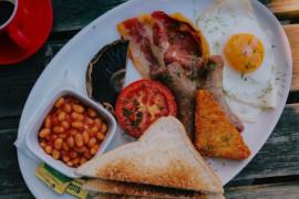 ANGIELSKIE ŚNIADANIE- 10 potraw, które Anglicy kochają jeść rano!
